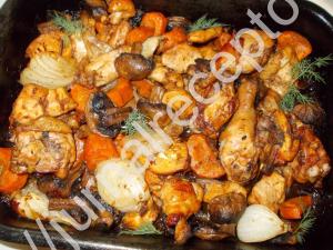 курица с грибами и овощами запеченная в духовке фото