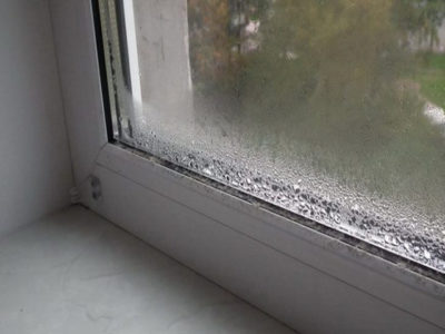 Вот как избавиться от конденсата на пластиковых окнах