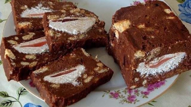 Красота! Холодный торт с зефиром достоин высших похвал! Вкуснотище!