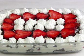 Роскошный КЛУБНИЧНЫЙ Десерт за 10 МИНУТ! Быстрый, несложный торт-десерт из клубники.