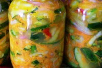 """Вкуснейший салат на зиму """"Пикантный"""". Дежурный салат зимой. Открываешь баночку и салат готов, как - будто только что порезала свежий. Удобно и вкусно!"""