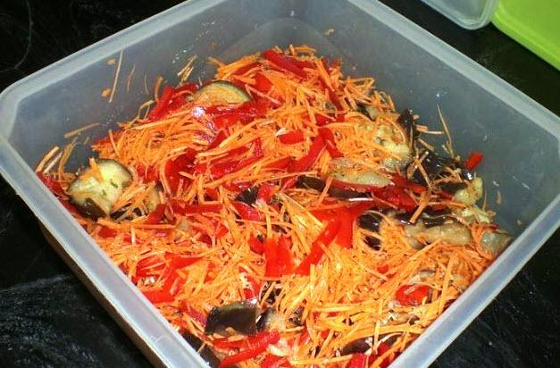 Маринованный овощной салат. Готовлю его второй раз, первый раз он был съеден с космической скоростью.