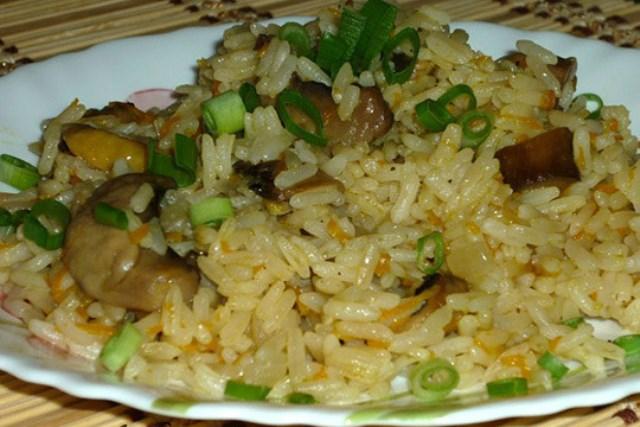 Грибной плов – необыкновенный вариант привычного блюда