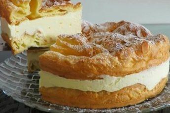 Непередаваемо вкусный торт из заварного теста и крема, который можно использовать в качестве главного достоинства любого праздничного стола.