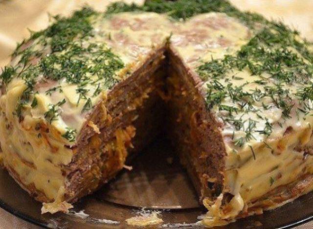 Печёночный торт- великолепная холодная закуска. Приготовить может каждый!