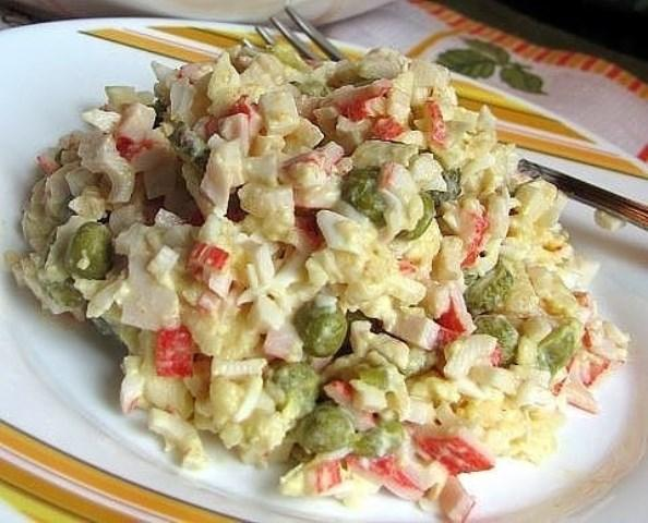 Салат «Лаура» затмил оливье и мимозу. Самый потрясающий вкус! Салат номер один в моей семье.